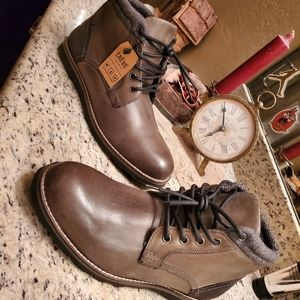 CREVO 'Geoff' Leather Boots NWT (Sz 10)